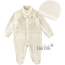 (117560) [р. 56] Комплект нарядный для мальчика (шапочка + комбинезон). MERRY BEE 12386. Молочный. Велюр